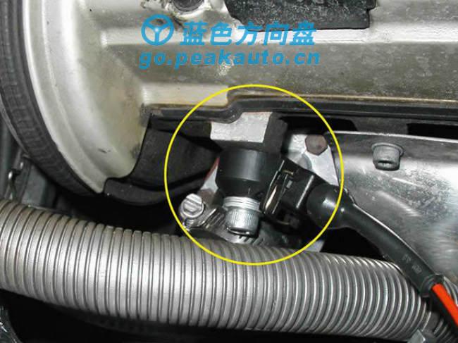 爆震传感器安装位置