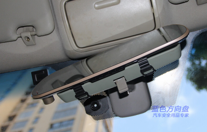 X115行车记录仪